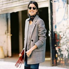 Wondering how to wear scarf this fall?Leandra Medine wears a striped t-shirt, plaid blazer, jeans, leather boots, and a ascarf around a neck. Leandra Medine, Look Fashion, Star Fashion, Girl Fashion, Fashion Models, Womens Fashion, Oversized Blazer, Plaid Blazer, Blazer Jeans