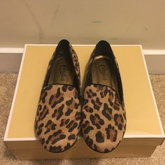 ☀️ Saturday Sale ☀️ Cheetah Print Loafers ☀️ Dropping the price for Saturday!! Will go back up Sunday!! ☀️ Barely worn, Candies cheetah print loafers. Perfect way to add a pop to an OOTD. Candie's Shoes Flats & Loafers