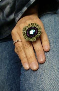 ○ Häkelring mit Cabochon ○ von crochet.jewels auf DaWanda.com