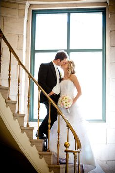 I usually hate stair photos, but the big window is making me love this Vintage Wedding Flowers, White Wedding Flowers, Blue Wedding Dresses, Wedding Photography Poses, Wedding Poses, Photography 101, Wedding Ideas, Wedding Stairs, Candle Wedding Centerpieces
