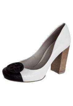 Sapato Mule De Salto Feminino Cravo&canela Preto R$ 179