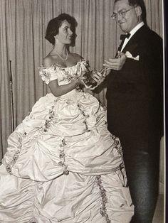 "Liz Taylor: 1949 Oscars ---- Saw this photo in ""Hello"" Magazine. LOVE this Dress!!!"