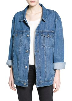 This perfectly-baggy denim jacket will elt you test-drive the trend without spending a lot of money // Zara Oversize Denim Jacket