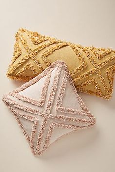 Tasseled Chenille Nadia Pillow Anthropologie * chenille nadia kissen anthropologie mit quasten * * oreiller nadia chenille à pampilles anthropologie * almohada chenille nadia almohada anthropologie Pillow Texture, Cute Dorm Rooms, Printed Cushions, Diy Décoration, Chenille, Home And Deco, Punch Needle, My New Room