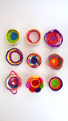 Learn how to make simple coil pots using polymer clay. Easy and colorful clay project for kids! Clay Projects For Kids, Clay Crafts For Kids, Kids Clay, Easy Crafts, Easy Polymer Clay, Coil Pots, Creative Activities For Kids, Ceramics Projects, Dry Clay