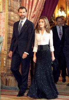 Celebramos el 40 cumpleaños de la princesa Letizia repasando sus 40 mejores estilismos. Los vestidos rectos, el encaje, tonos nude, el rojo y los trajes sastre son sus algunas de sus señas de identidad.