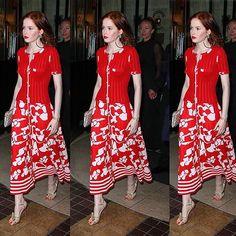 Em um look mais casual, o Chanel da atriz Ellie Bamber. Conta pra gente o que você achou das damas de vermelho!