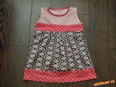 Jak udělat střih ze starého trička a šití šatiček krok za krokem