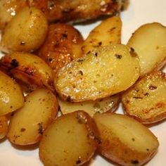 Greek Style Oven Roasted Lemon Butter Parmesan Potatoes @keyingredient #cheese #chicken
