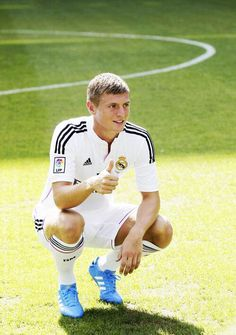 Welcome Toni Real Madrid, Soccer, Football, Running, My Love, Sports, Hs Sports, Futbol, Futbol