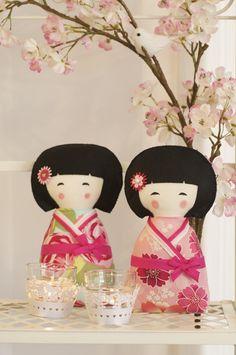 Kokeshi <3    https://www.facebook.com/pages/Anita-Catita/350773061007