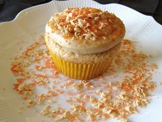 Maple Cashew Icing With Maple Flakes