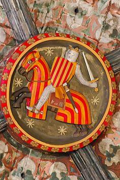 En la Edad Media, los largos periodos de construcción de una iglesia (más de un siglo), solían implicar cambios de estilo arquitectónico. Santa Maria del Mar de Barcelona es una excepción: construida en sólo 55 años, de 1329 a 1384, es la única iglesia de estilo gótico catalán puro.. #detalle