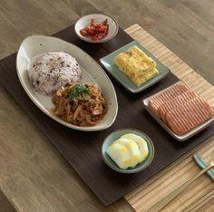 Cafe Food, Food N, Food And Drink, Veggie Recipes, Asian Recipes, Healthy Recipes, Aesthetic Food, Korean Food, Food Presentation
