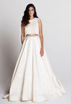 Women's White Wedding  Matte Satin Full Length Skirt with Fabric Covered Elastic Waistband Custom Made to Order in the USA von DesignerTrade auf Etsy https://www.etsy.com/de/listing/254719551/womens-white-wedding-matte-satin-full