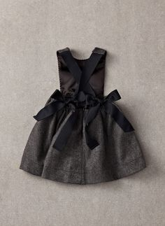 Nellystella Chloe Dress - Navy Swissdot - Similar style seen on Tori Spelling's daughter Stella McDermott - Hello Alyss - Designer Children's Fashion Boutique Little Girl Outfits, Little Girl Fashion, Outfits Niños, Kids Outfits, Skater Outfits, Disney Outfits, Fashion Kids, Moda Casual, Kid Styles
