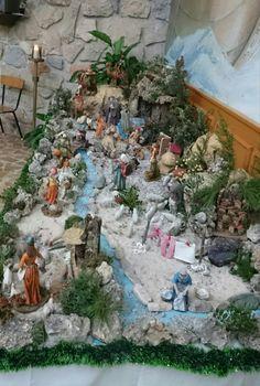 Christmas Crib Ideas, Church Christmas Decorations, Christmas Village Display, Christmas Nativity Scene, Simple Christmas, Christmas Crafts, Merry Christmas, Outdoor Nativity Scene, Fairy Garden Pots