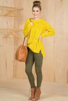 Yellow sweater and olive pants Casual Work Outfits, Classy Outfits, Stylish Outfits, Look Fashion, Fashion Outfits, Womens Fashion, Outfits Otoño, Olive Green Pants Outfit, Olive Outfits