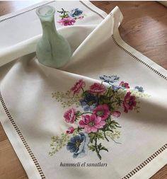 1 million+ Stunning Free Images to Use Anywhere Butterfly Cross Stitch, Cross Stitch Rose, Cross Stitch Flowers, Cross Stitching, Cross Stitch Embroidery, Hand Embroidery, Machine Embroidery, Cross Stitch Designs, Cross Stitch Patterns