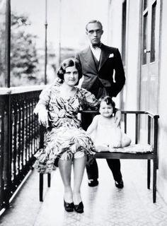 Oscar Niemeyer and family