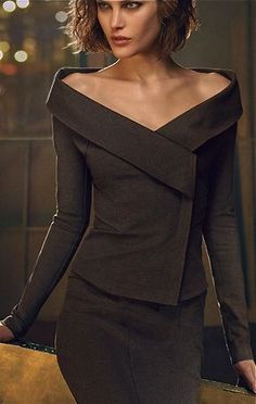 Donna Karan, classy and very elegant Look Fashion, High Fashion, Womens Fashion, Fashion Design, Classy Fashion, Street Fashion, Latest Fashion, Mode Style, Style Me