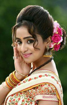 59 Ideas For Wedding Makeup Asian Bangs Beautiful Blonde Girl, Beautiful Girl Indian, Most Beautiful Indian Actress, Beautiful Saree, Beautiful Actresses, Beautiful Women, Beautiful Eyes, Beauty Full Girl, Beauty Women