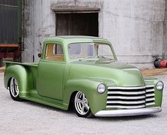 Hot Wheels - Hard to beat a super clean early Chevrolet truck, check out this 48 spotted over at @hotrodmagazine , simple yet effective! #chevrolet #gmc #3100 #carporn #hotrod #streetrod #streetmachine #streettruck #raked #stance #lowfastfamous