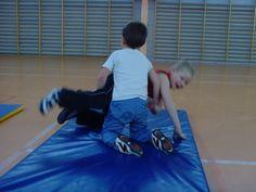 jeux d'opposition - suite - Le blog de delphine Judo, Delphine, Blog, School, Physical Education Activities, Gym, Athlete, Blogging