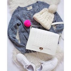Oh baby it's snow outside ❄❄❄ Boybox bag @miss_s_design  #miss_s_design #Boybox #handmade #bag #madeinbih #bhbrand #fashion #flatlay #style #trend #outfit #look #inspo #lookbook #trendy #stylish #wearitloveit #ootd #lotd #potd #wearityourway ✌