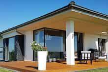 Dom w bodziszkach Bungalow House Design, Modern House Design, Dream House Plans, Farmhouse, Exterior, Outdoor Decor, Home Decor, Zimbabwe, Templates