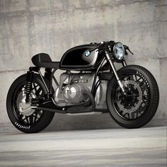 Timeless classic... #bmwr100 #bmwairhead #bmw #airhead #r90 #r100 #r50 #caferacer #caferacerporn #caferacerxxx #caferacerstyle #caferacerculture #builtnotbought #dropmoto #returnofthecaferacers #caferacersofinstagram
