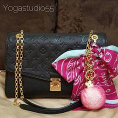 Instagram/ Blogger Recommended Candy Pink Frost fur pom pom keychain REX Rabbit fur pom pom ball with flower bag charm