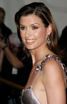 Bridget Moynahan as Natasha Naginsky, Mr. Big's second wife