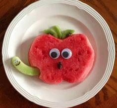 Watermelon apple snack is part of Food art lunch - Cute Snacks, Fun Snacks For Kids, Cute Food, Kids Meals, Yummy Food, Kid Snacks, Fruit Snacks, Kids Fun, Fruit Appetizers