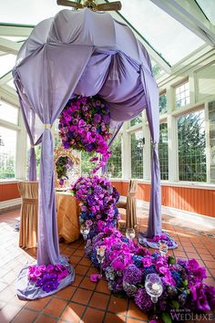 Purple Reign |This Secret Garden-inspired shoot from Raymond & Jessie Photography features opulent wedding ideas in shades of purple and gold| Photography: Raymond & Jessie Photography