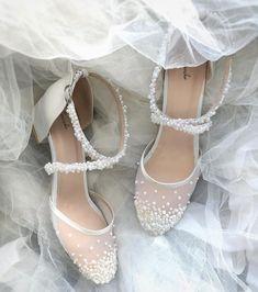 Ayakkabı - Giyim - Aksesuar Kişiselleştirilebilir ürünler ile Sanemikolu olma ayrıcalığını yaşa. Alışverişe Başla! www.sanemiko.net #briderobe #bride #nedime #bridesmaid #bridesmaids #bridalshoes #satensabahlik #wedding #makyajbornozu #kimono #bridalrobe #weddingdress #weddingshoes #gelinbuketi #düğün #dugun #gelin #gelintaci #gelinlik #gelinayakkabisi #gelinsabahligi #sabahlik #dugunhazirliklari #swarovski #ayakkabi #ceyiz#kisiyeozeltasarim #gelinaksesuari #ayakkabi #weddingaccesories # Wedding Heels, Bridal Wedding Dresses, Wedding Bridesmaids, Wedding Looks, Dream Wedding, Wedding Stuff, Beautiful Shoes, Beautiful Dresses, Wedding Slippers