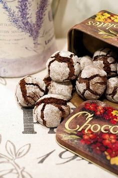 Chocolate Crinkles, the only one recipe Chocolate Crinkles, Meals For One, Ale, Stuffed Mushrooms, Place Card Holders, Easter, Sweets, Cookies, Vegetables