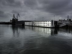 Carl de Keyzer Photography | Prints | Moments before the flood | Rotterdam, Holland (V48Y8VCJ)