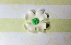 24 White Dogwood edible fondant flowers cupcake by InscribingLives https://www.etsy.com/listing/208713585/24-white-dogwood-edible-fondant-flowers?ref=shop_home_active_3&ga_search_query=dogwood