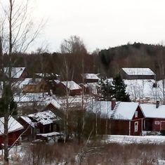Auttoisten kylä joulukuussa 2017 #auttoinen #maaseutu #countryside #finland #finnishwinter #decemberinfinland #finnishvillage #kotikylänikasvot Monet, Cabin, World, House Styles, Inspiration, Instagram, Home Decor, Biblical Inspiration, Decoration Home