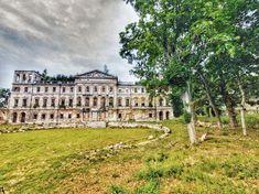 Palace ruins in Sławików, Poland Sri Lanka, Travel Photos, Poland, Louvre, Rock, Mansions, House Styles, Building, Fotografia