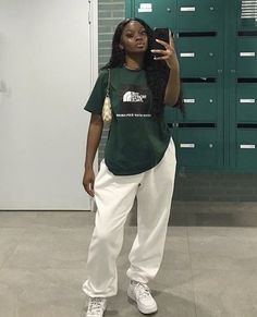 Cute Comfy Outfits, Tomboy Outfits, Chill Outfits, Dope Outfits, Retro Outfits, Trendy Outfits, Fashion Outfits, Black Girls Outfits, Queer Fashion