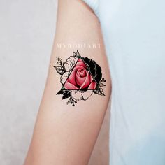 Unique Pink Rose Arm Tattoo Ideas for Women - Realistic Black Geometric Triangle. Isabel Gomez Tattoo Ideas Unique Pink Rose Arm Tattoo Ideas for Women - Realistic Black Geometric Triangle Outline Watercolor Floral Flower Bicep Tat - Trendy Tattoos, Unique Tattoos, Small Tattoos, Tattoos For Women, Tattoos For Guys, Symbolic Tattoos, Rosen Tattoo Arm, Rose Tattoo On Arm, Rosen Tattoos