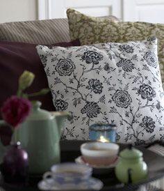 Cushion covers Gustavian Flowers Jet Black