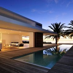 Luxury House Architecture in South Africa by Luis Mira