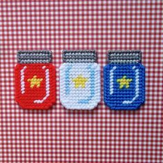 "Plastic Canvas: ""Stars"" Mason Jar Magnets (set of 3)"
