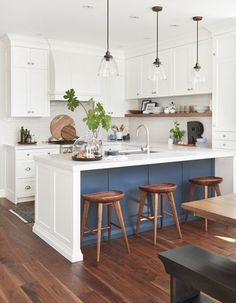 6 Good-Looking Clever Tips: Ikea Kitchen Remodel Granite farmhouse kitchen remodel paint colors.U Shaped Kitchen Remodel Stove u shaped kitchen remodel stove.U Shaped Kitchen Remodel Stove. Ikea Kitchen Remodel, Apartment Kitchen, Kitchen Renovations, Small Kitchen Remodeling, Apartment Interior, Modern Farmhouse Kitchens, Home Kitchens, Farmhouse Design, Farmhouse Small