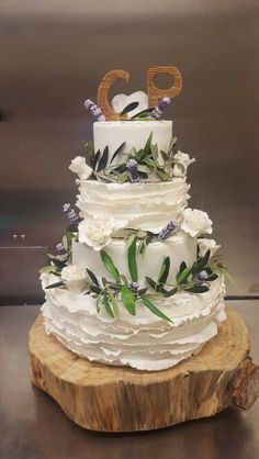 Wedding cake thème Nature Chic by Lu Divine Cake #weddingcake #nature #chic #olivier #lavande #LuDivineCake