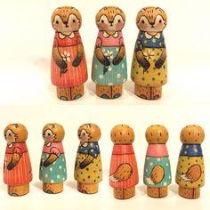 Latecia Dumaop, she's so talented! Wood Peg Dolls, Kindergarten Crafts, Third Baby, Handmade Tags, Wooden Pegs, Toy Craft, Doll Crafts, Diy Dollhouse, Diy Toys