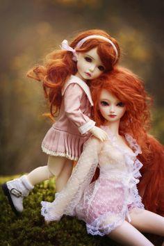 dollshousedropin:  A little bit of tenderness (by Valérie Busymum)